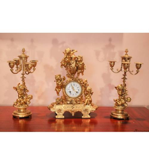 Часы с двумя канделябрами. Франция
